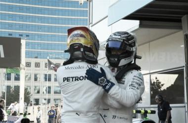 El abrazo de los hombres de Mercedes | Foto: Fórmula 1