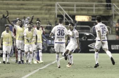 Cruzeiro joga bem, quebra má fase e vence Vasco em Volta Redonda
