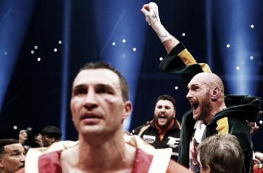 Tyson Fury becomes World Heavyweight Champion with UD over Wladimir Klitschko