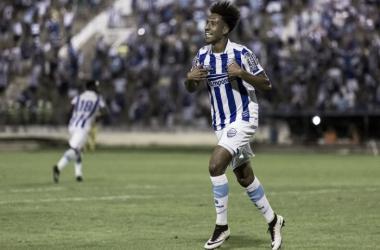 Comemoração de Dick, autor do segundo gol azulino | Foto: Alisson Frazão|Oitcho|Ascom CSA