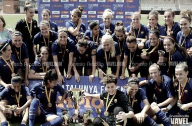 Toda la plantilla del primer equipo del Barça celebrando el título. Foto: Ernesto Aradilla, VAVEL.com