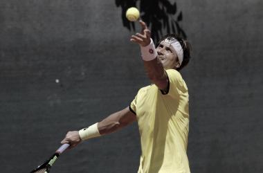 Ojos puestos en el saque . Foto: Argentina Open.