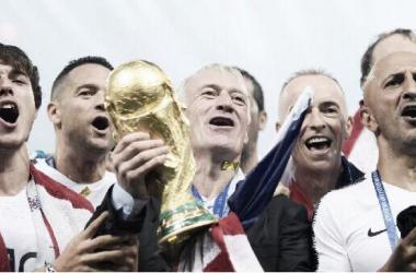 Didier Deschamps se convierte en una leyenda del fútbol francés. Foto:
