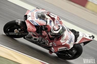 """Test Moto GP - Lorenzo: """"Il tempo non mi sorprende, questa Ducati è un capolavoro"""""""