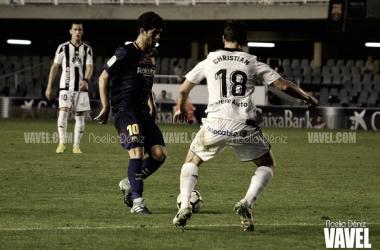 Carles Aleñá en una acción de ataque frente al Real Oviedo. Foto de archivo: Noelia Déniz, VAVEL.com