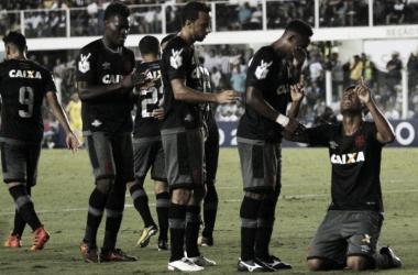 """Meia Evander destaca potencial do Vasco em virada: """"Mostramos o que somos capazes de fazer"""""""
