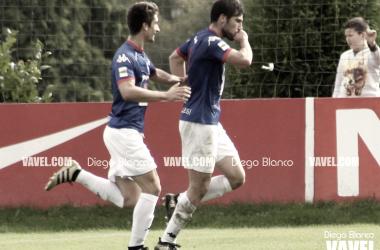 Jon Ander celebra el gol que marcó en Mareo. | FOTO: Diego Blanco