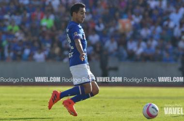 Rafael Baca aspirando un balón,su pasatiempo favorito. Foto: Rodrigo Peña | VAVEL