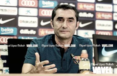Valverde durante una rueda de prensa. Foto: Miguel López Mallach, VAVEL.com