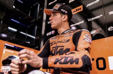Iker en el box en el pasado Gran Premio // motogp.com