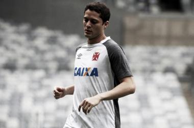 "Destaque contra o Cruzeiro, Anderson Martins elogia colegas: ""O time está de parabéns"""