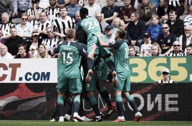 Com gols de Vertonghen e Dele Alli, Tottenham vence Newcastle na Premier League