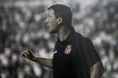 """Após goleada, Zé Ricardo mostra confiança para jogar na altitude: """"Vamos superar"""""""