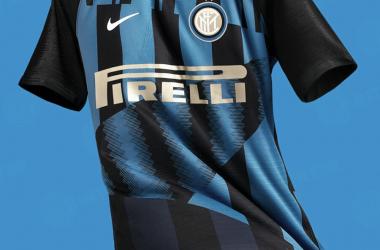 Nova camisa da Internazionale será utilizada no clássico contra o Milan, no próximo dia 17 de março (Imagem: Internazionale/Divulgação)