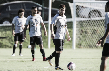 Jogador estreou com pé direito no clássico mineiro (Foto: Divulgação/Atlético)