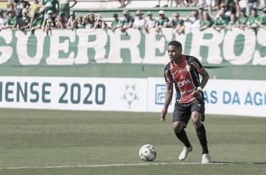 """Rumo à Chapecoense, Fernandinho se despede do Joinville: """"Time gigante"""""""