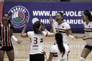 Em confronto direto, São Paulo Barueri vence Curitiba Vôlei pela Superliga Feminina