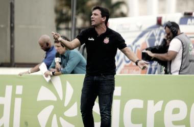 """Apesar da eliminação, Zé Ricardo elogia a equipe e garante: """"Foco sempre foi a Libertadores"""""""