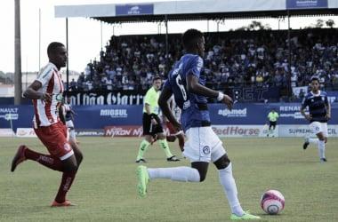 Tubarão marca com Batista, vence Hercílio Luz e sobe na tabela em clássico do Sul catarinense