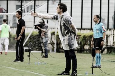 Técnico Thiago Larghi critica arbitragem no revés do Atlético-MG diante do Vasco