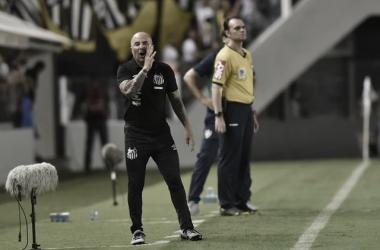 """Sampaoli exalta atuação santista e dificuldade do Brasileirão: """"Torneio que exige muito"""""""