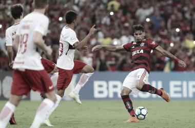 Internacional e Flamengo se enfrentam em confronto direto pelo Brasileiro