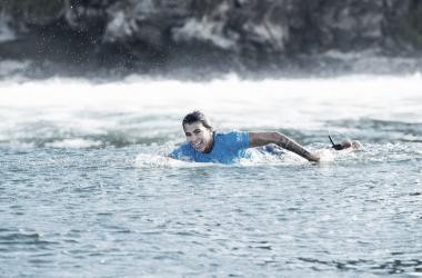 Silvana Lima supera australianas e avança de fase no circuito mundial de surfe