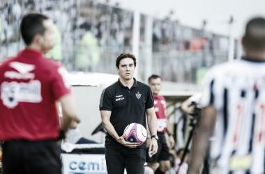 Em preparação para o clássico, Thiago Larghi pede cautela ao Atlético-MG e elogia adversário