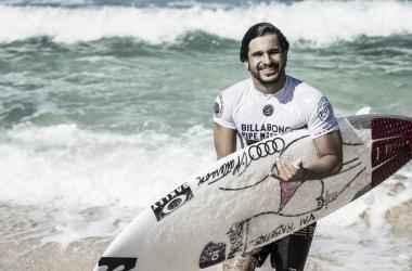 É do Brasil: Ítalo Ferreira supera Mick Fanning e é campeão da etapa de Bells Beach