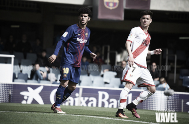 Álex Moreno y Carles Aleñá esperando un balón | Fotografía: Noelia Déniz (VAVEL)