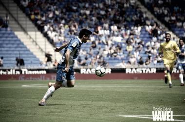 Gerard controla un balón ante Las Palmas / Foto: Noelia Déniz (VAVEL)