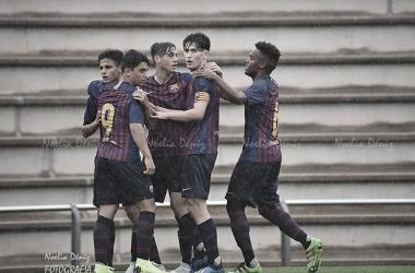 El FCB Juvenil B celebrando un gol ante el Jàbac i Terrassa. Foto: Noelia Déniz, VAVEL