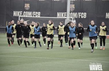 El Barcelona Feminino realizando la última sesión antes del partido contra el Rayo Vallecano, foto: Noelia Deniz, VAVEL