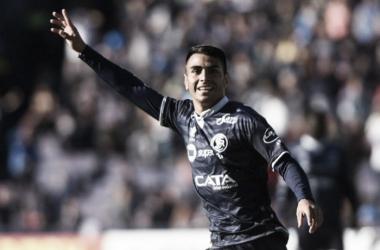 Diego Cardozo marcó su gol n° 14 con la camiseta de La Lepra | Foto:Andrés Larrovere / Diario Los Andes.