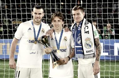 Kroos comparte su quinto trofeo con Modric y Bale / Foto: Real Madrid C.F.