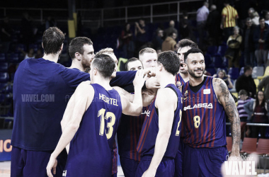 El FC Barcelona Lassa celebrando la victoria frente a UCAM Murcia. Fuente: Noélia Déniz (VAVEL.com)