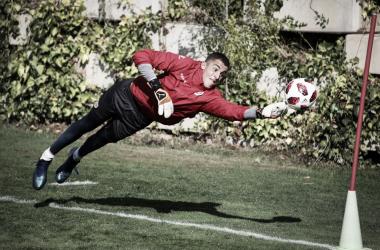 Miguel Morro realizando una parada en los entrenamientos | Fotografía: Ricardo Grande (VAVEL)
