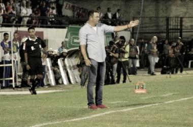 Fernandes alertou para oscilação do time (Foto: Divulgação / Náutico)