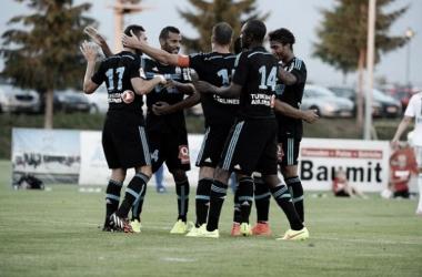 Bielsa estreia no comando do Marseille com goleada sobre Bayer Leverkusen