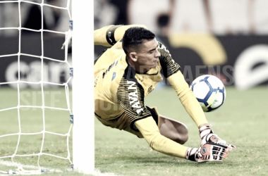 Nos pênaltis, Atlético-PR bate Ceará e avança à quarta fase da Copa do Brasil