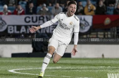 Franchu, baja hasta julio, celebrando el gol de la victoria en el pasado Castilla-Burgos. Fuente: Daniel Nieto VAVEL