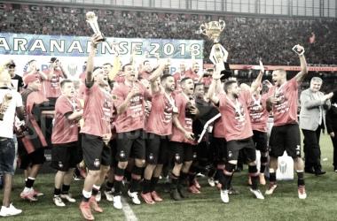 Em Atletiba decisivo, Atlético-PR vence e conquista Campeonato Paranaense 2018