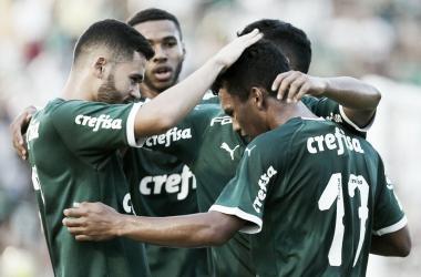 Jogadores do Palmeiras comemorando um dos gols (Foto: Fabio Menotti/Ag Palmeiras/Divulgação)
