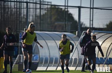 El Feminino realizandoel último entrenamiento previa al derbi catalán, foto: Noelia Deniz, VAVEL
