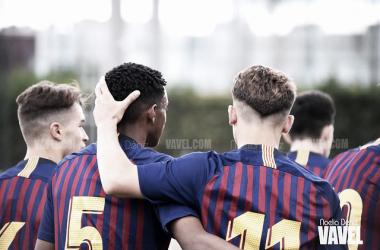 Los jugadores del Juvenil B del FC Barcelona celebrando un gol. FOTO: Noelia Déniz
