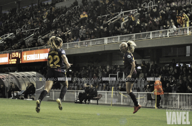 Imagen de archivo de Martens y Duggan celebrando un gol. FOTO: Eduardo Ariño