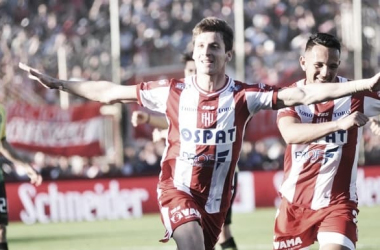 Cara a cara: Soldano vs. Torres. Foto: Olé.