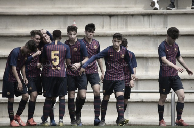 El FCB Juvenil B celebrando un gol contra el RCD Espanyol. Foto: Noelia Déniz, VAVEL