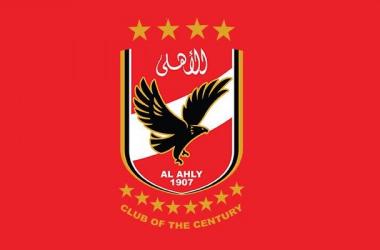 النجمة الرابعة تزين شعار الأهلي