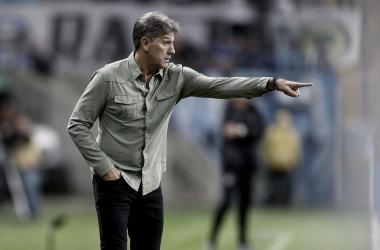 """Renato elogia atuação do Grêmio na vitória contra Atlético-MG: """"Venceu e jogou bonito"""""""